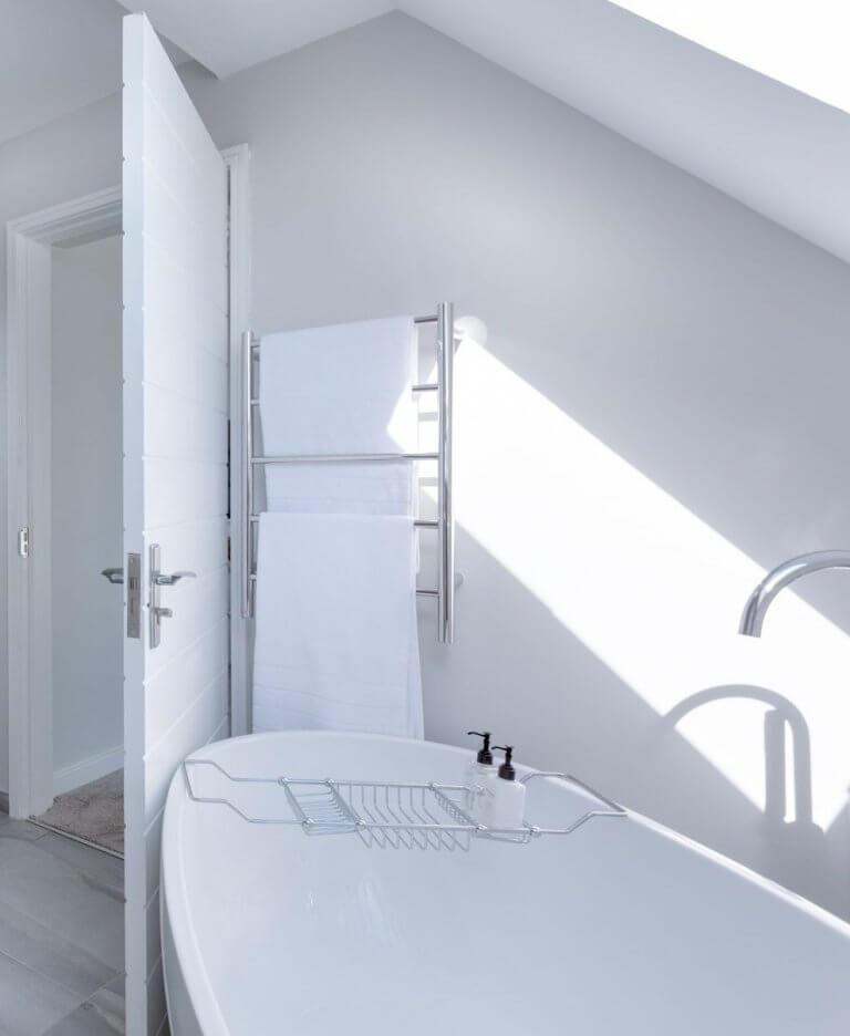Освещение в ванной комнате: правильная организация поставки света - точка j