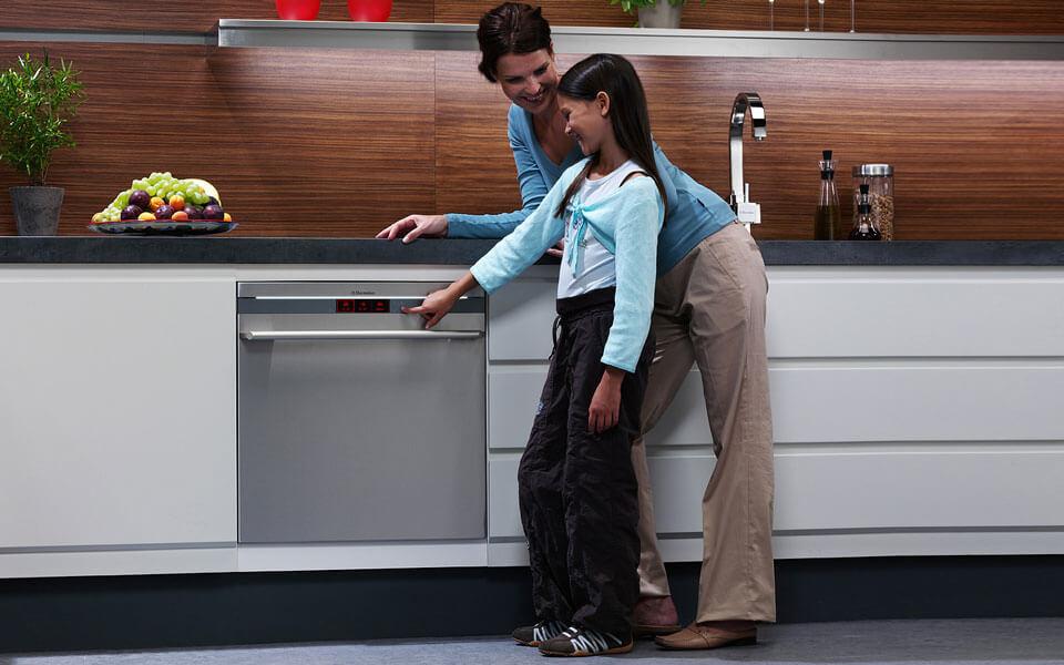 Встраиваемые посудомоечные машины: обзор популярных моделей + на что ориентироваться при выборе