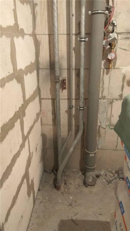 На чьи плечи ложится замена стояка канализации в квартире