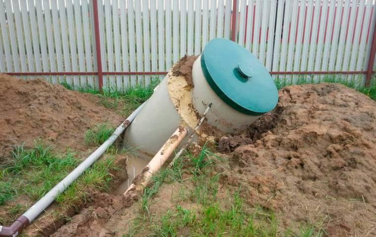 Особенности монтажа септика из бетонных колец своими руками при высоком уровне грунтовых вод