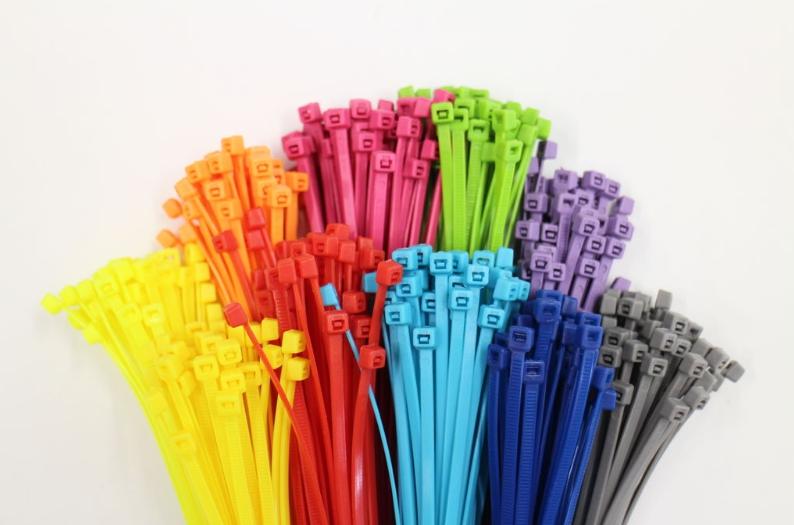 Какие кабельные стяжки выбрать - советы профессионалов по выбору и применению стяжек