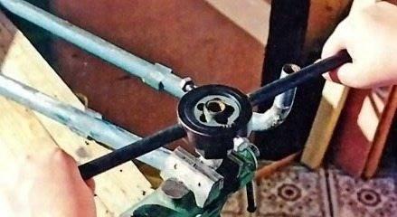 Как самому нарезать резьбу на трубе