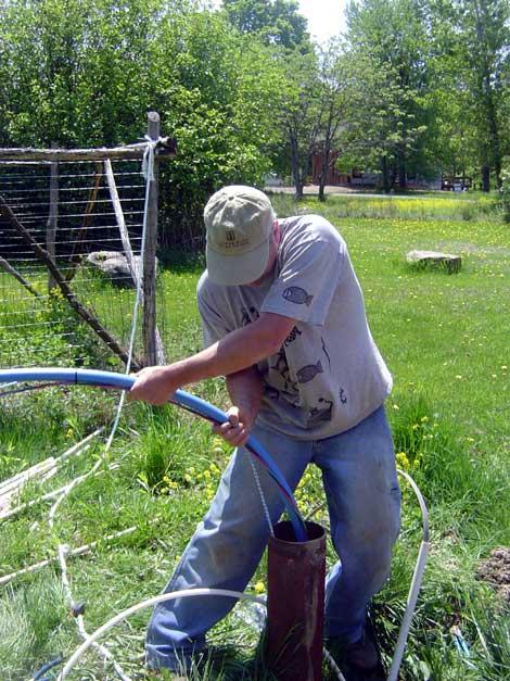 Упал насос в скважину: что делать и как достать - вытащить