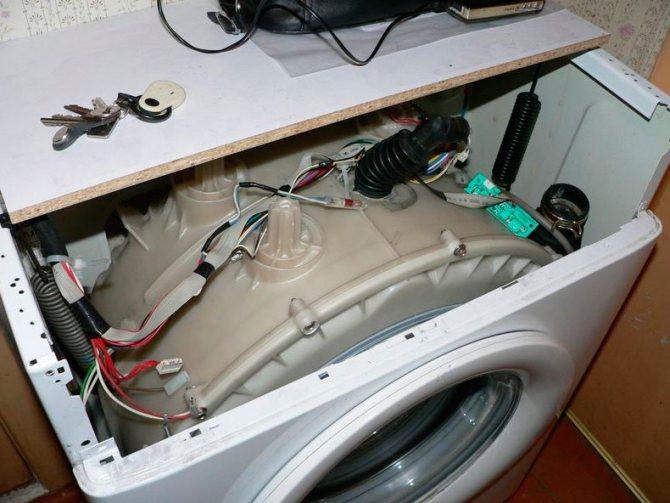 Стиральная машина не стирает после набора воды