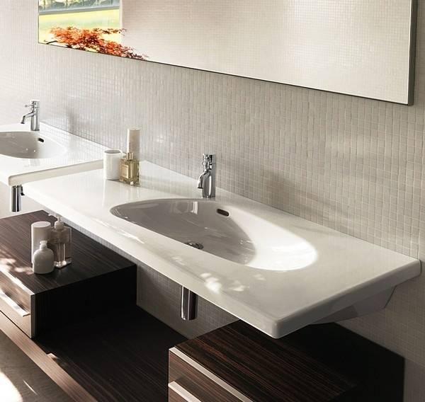 Столешница для ванной комнаты под раковину — стильный и эргономичный предмет с удобной планировкой