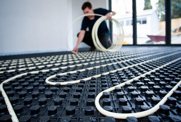 Подложка для теплого пола (47 фото): выбираем утеплитель под водяной и электрический инфракрасный пленочный пол
