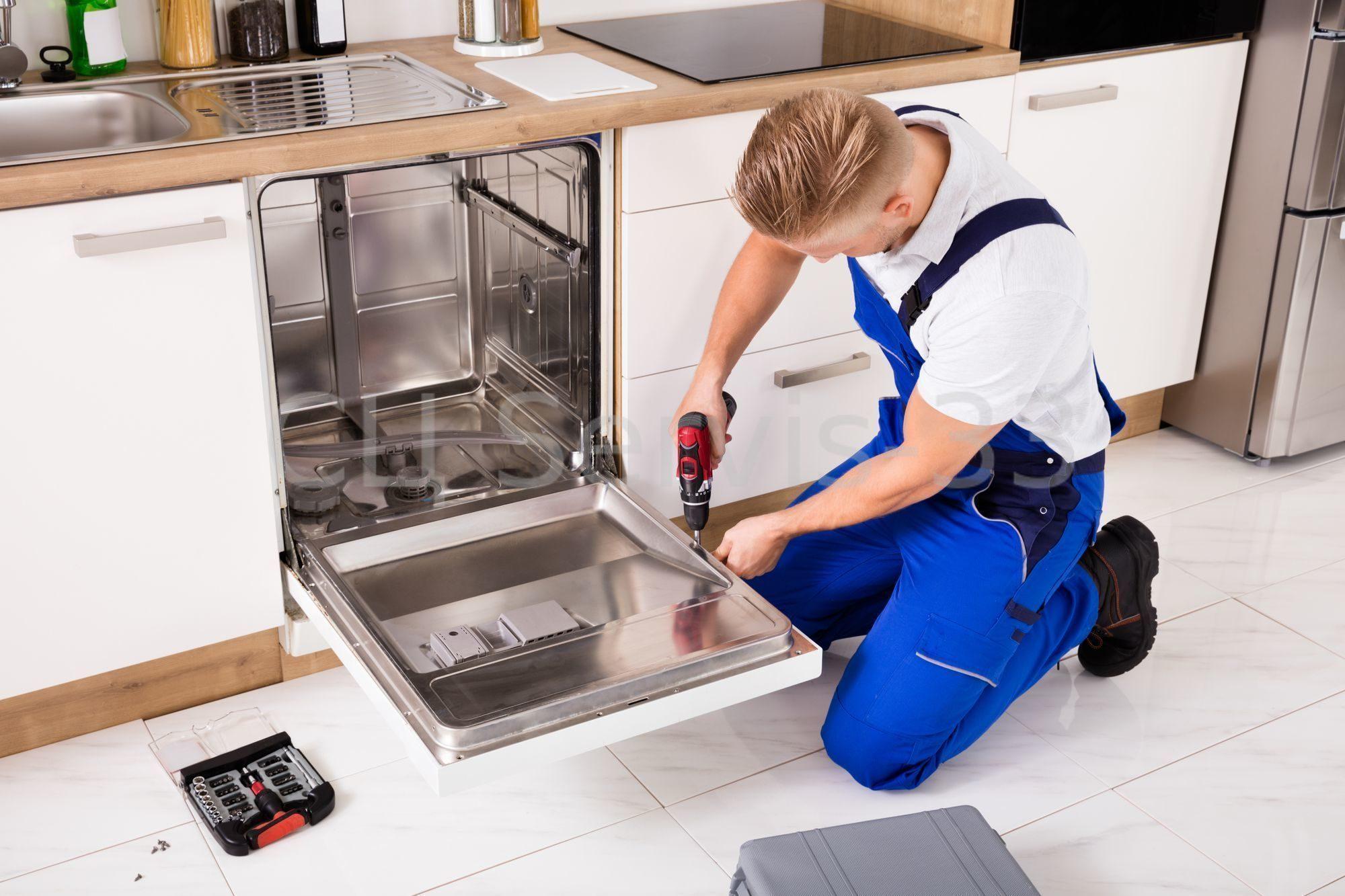Что нужно сделать перед первым запуском посудомоечной машины
