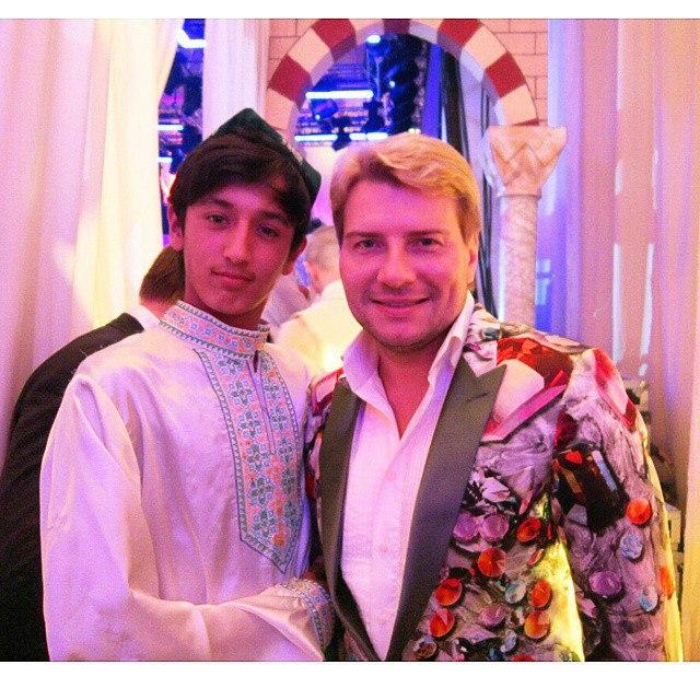 Николаю баскову попасть в шоу-бизнес помогли инвалиды