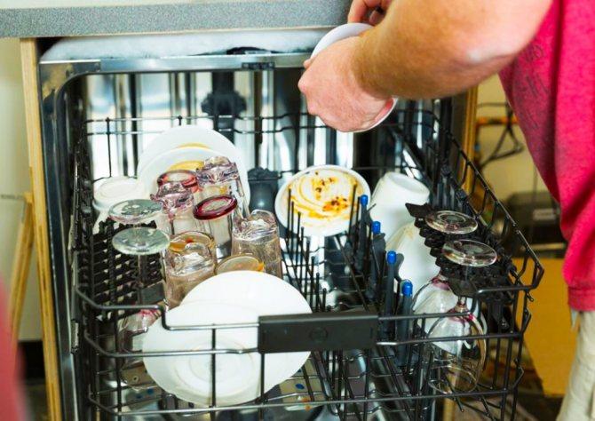 Белый налет в посудомоечной машине: причины и методы борьбы