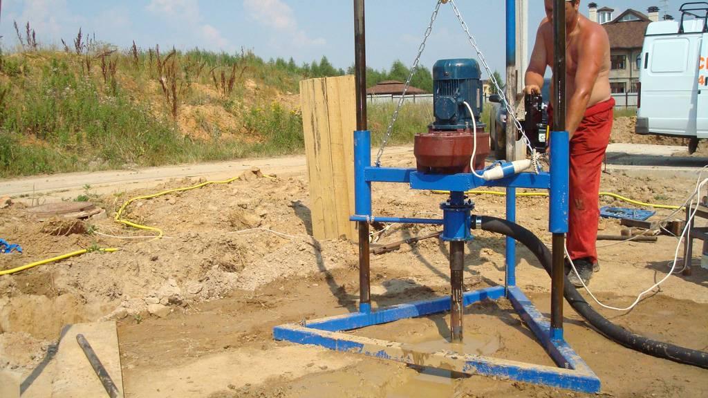 Как самостоятельно пробурить скважину для добычи воды