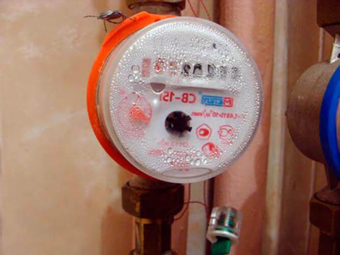 Счетчик горячей воды не крутится — варианты решения проблемы. что делать, если счётчик воды перестал работать