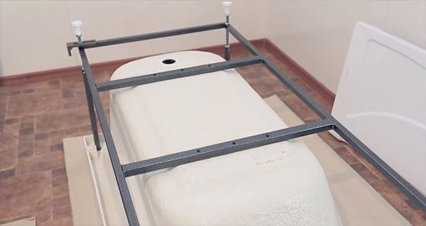 Можно ли сэкономить на каркасе для акриловой ванны?