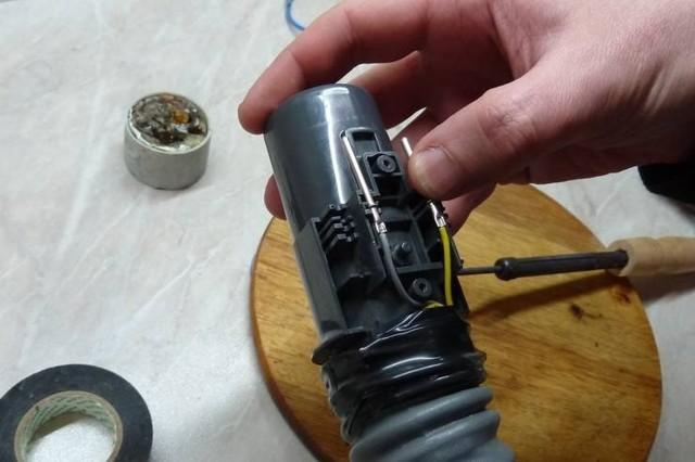 Ремонт пылесосов: как их разобрать? как ремонтировать двигатель своими руками? что делать, если пылесос не включается или плохо всасывает пыль?