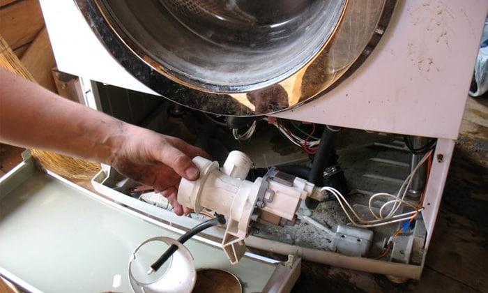 Как слить воду со стиральной машины? вручную, принудительно и аварийный слив остатков. почему машинка сломалась?