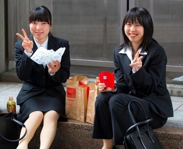 Подгузники для взрослых очень популярны среди японских женщин