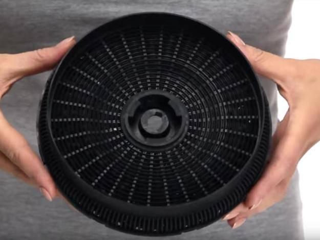 Фильтр для кухонной вытяжки – о чистке и замене всех видов (фото, видео)