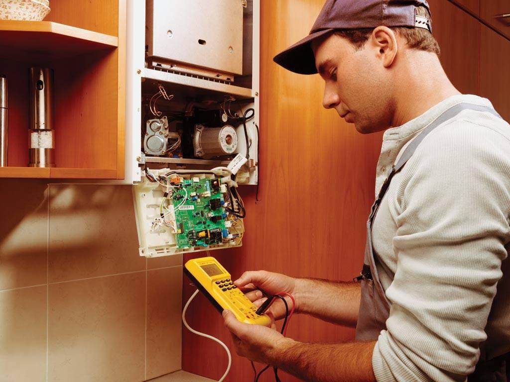 Не зажигается газовая колонка - восстановление работы фитиля бытового газового полуавтоматического водонагревателя