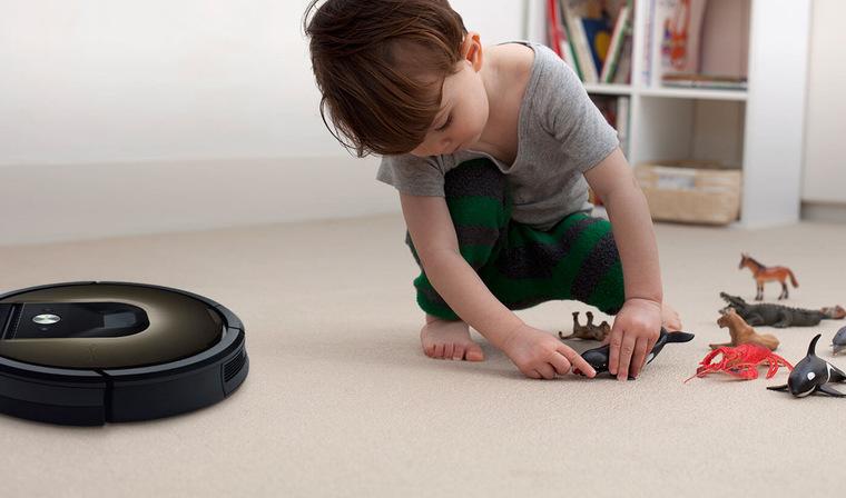 Стоит ли покупать робот пылесос: плюсы и минусы устройства