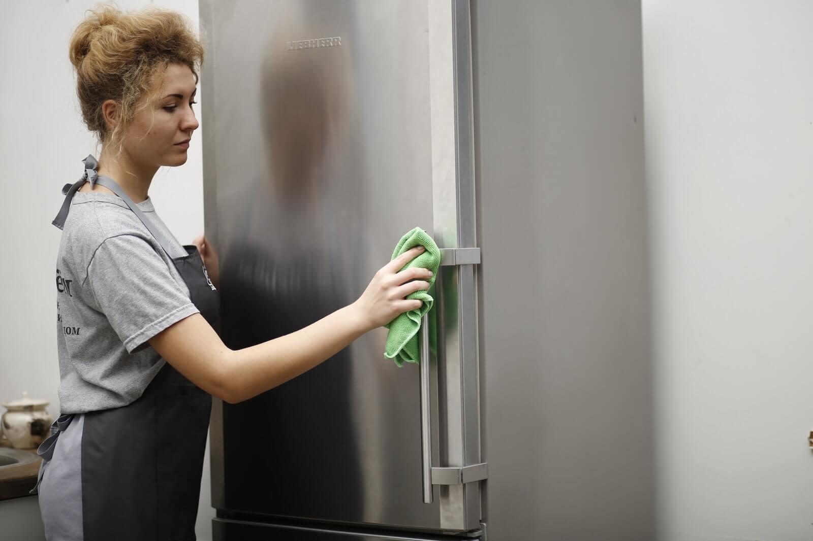 Чем помыть новый холодильник перед первым использованием: внутри, включением, протереть, нужно ли, от запаха