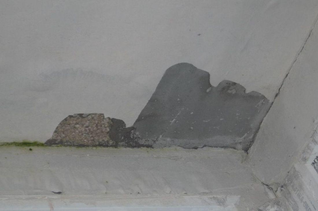 Пятна и разводы на потолке после покраски: в чем причина и как исправить? | домфронт