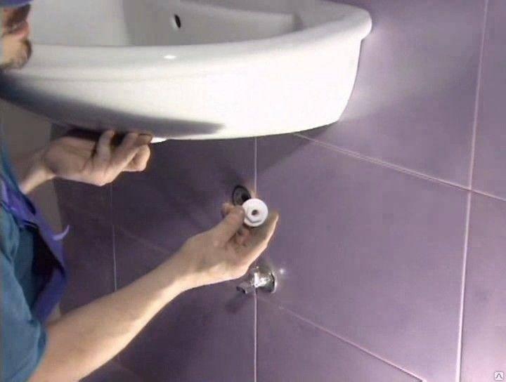 Установка раковины: монтаж конструкции в ванной комнате, на какой высоте установить умывальник, установка сантехники своими руками
