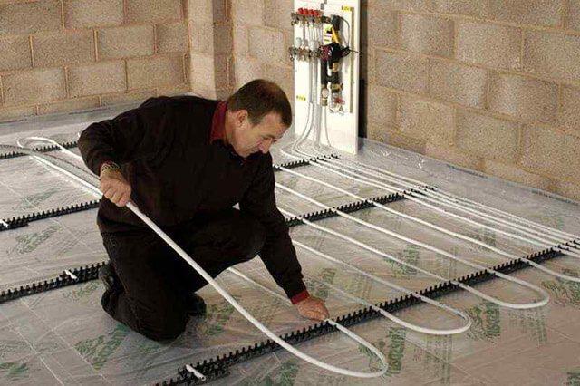 Как сделать водяной теплый пол в комнате под плитку своими руками
