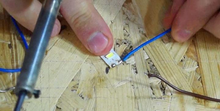 Как соединить светодиодную ленту: коннектором, пайкой