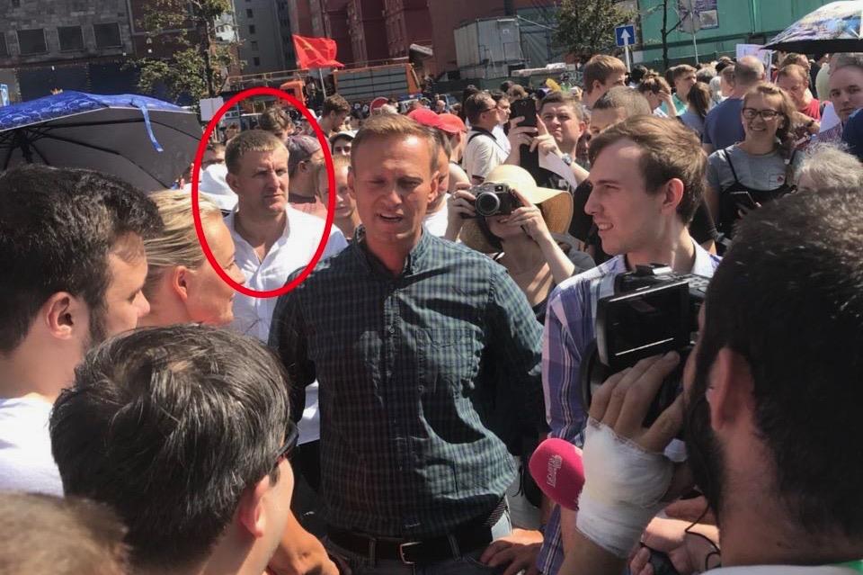 Кто годами содержал алексея навального и его фбк  | новости