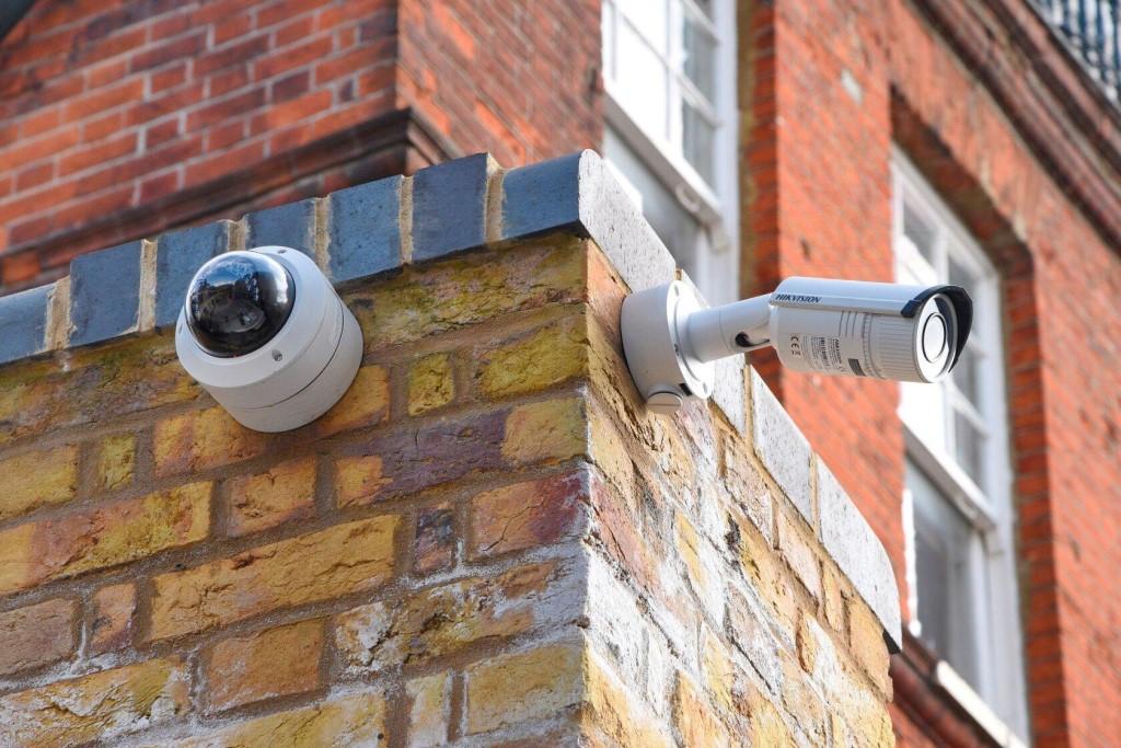 Воришкам ничего не светит: как подключить ip-видеокамеры своими руками