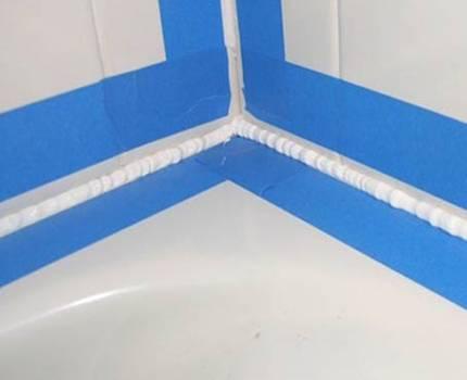 Пластиковые уголки и бордюры для ванны