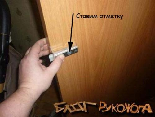 Врезать замок в межкомнатную дверь: как самому быстро установить магнитную защелку на деревянное полотно