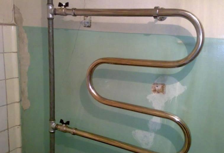 Пошаговая установка полотенцесушителя в ванной своими руками