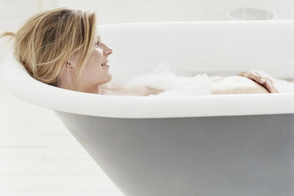Горячие ванны при беременности: можно ли беременным лежать в ванной?