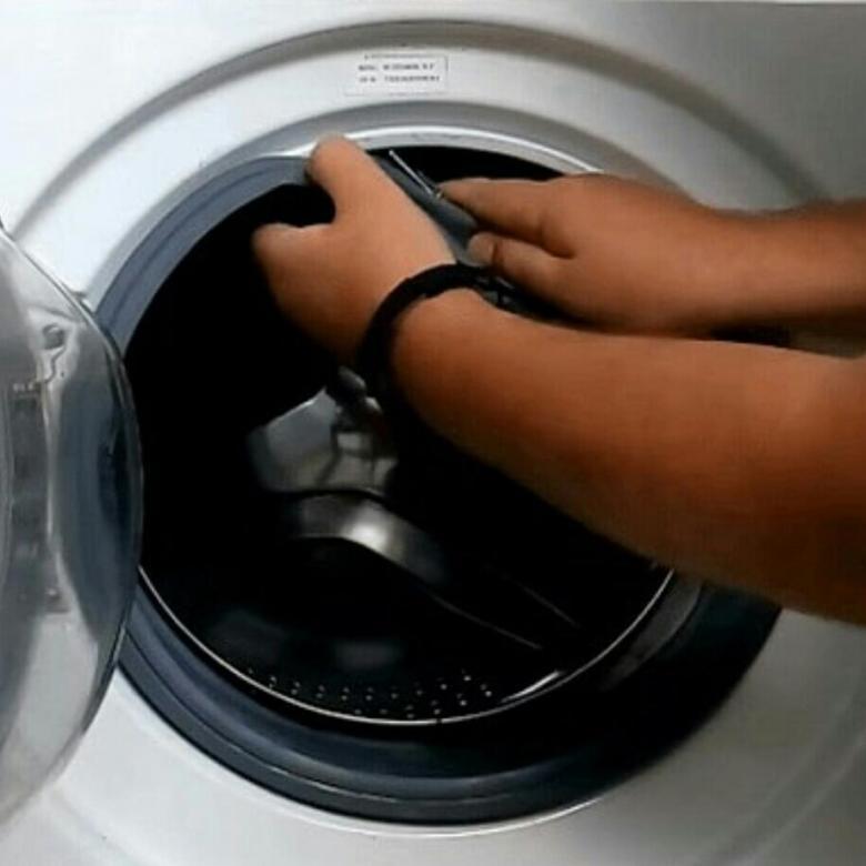 Замена манжеты люка стиральной машины: как снять и одеть резинку, как поменять уплотнитель