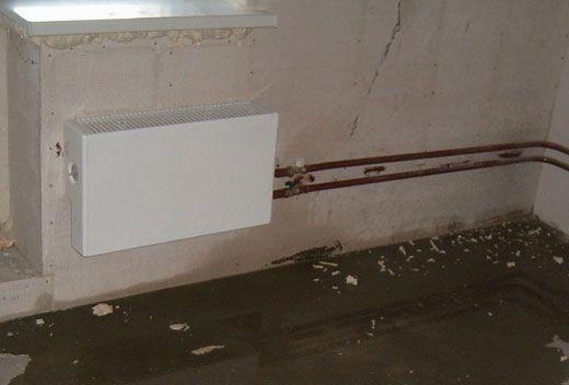 Почему течет вода из-под стиральной машины: причины и устранение дефекта