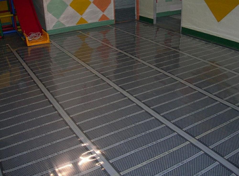 Особенности выбора и технология монтажа электрического теплого пола в жилых помещениях