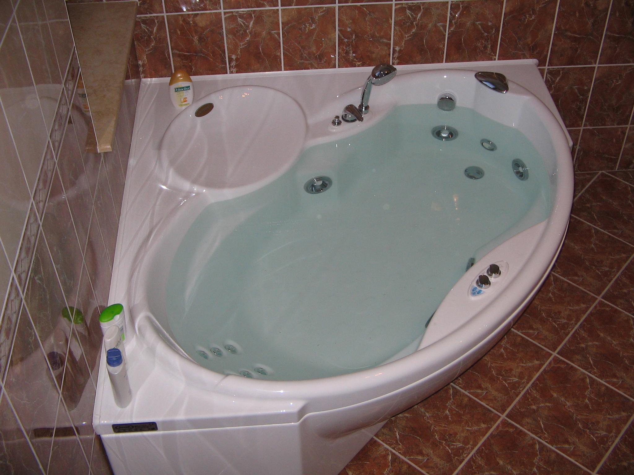 Выбор гидромассажной ванны