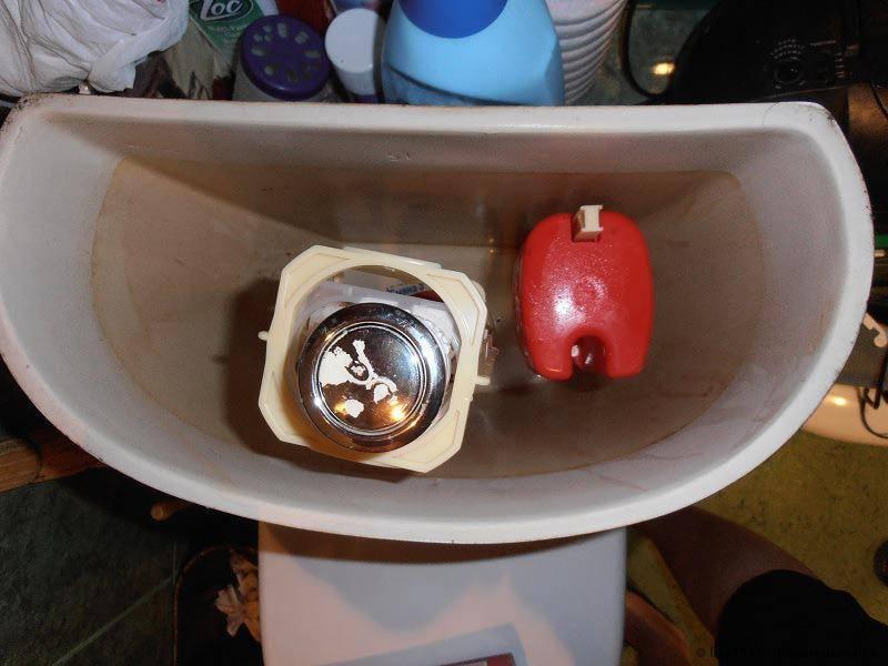 Как избавиться от конденсата на бачке унитаза: советы с видео