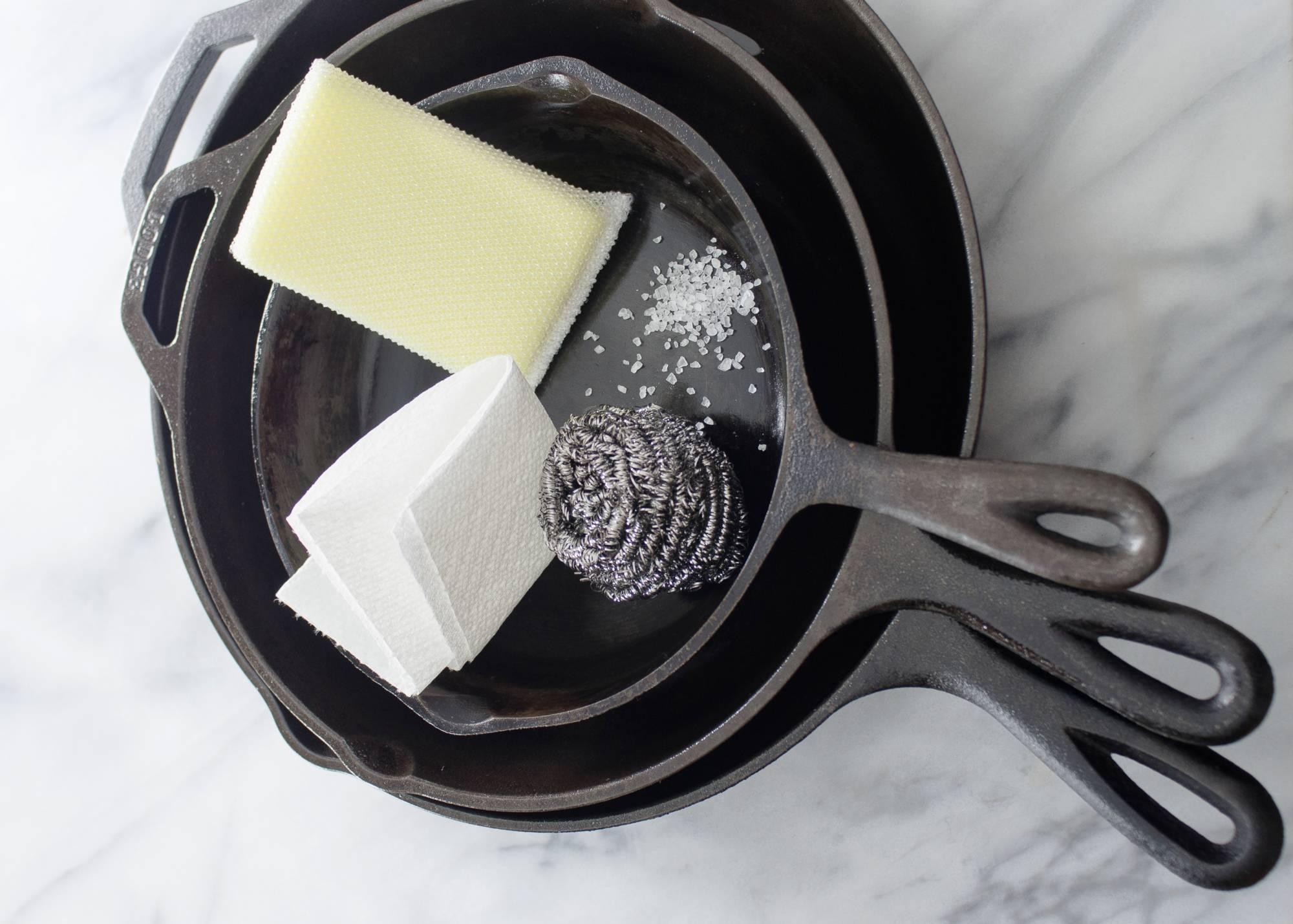 Обзор способов устранить нагар и жир на сковороде снаружи
