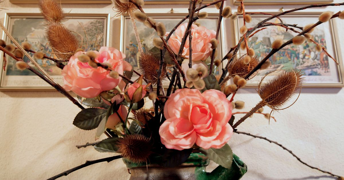 Цветы в доме: какие должны быть, приметы и суеверия, растения для домашнего благополучия