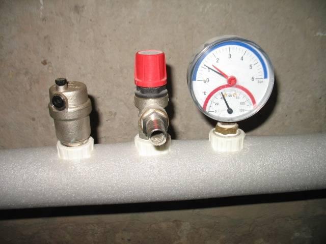 Падает давление в системе отопления - повышается, перепад и регулировка