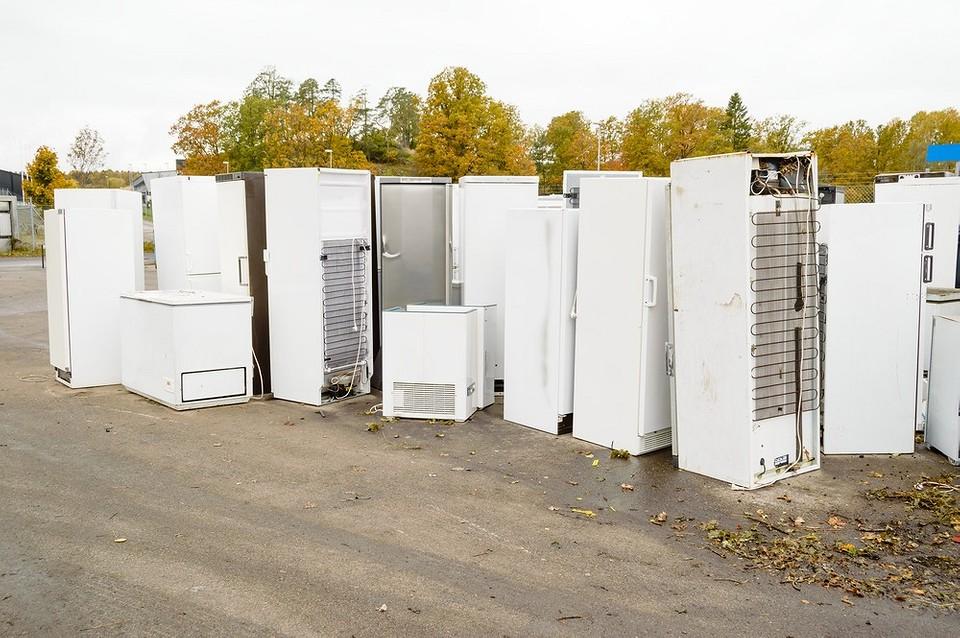 Утилизация холодильника: как и куда правильно сдать за деньги