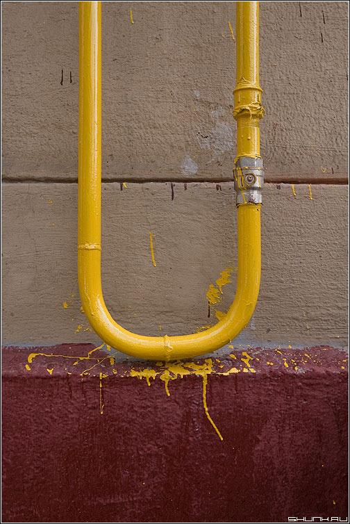 Окраска трубопроводов отопления и газовых труб: виды красок и технология окраски   сегодня.ру