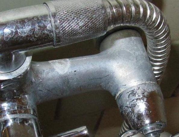 Как почистить смеситель внутри от налета