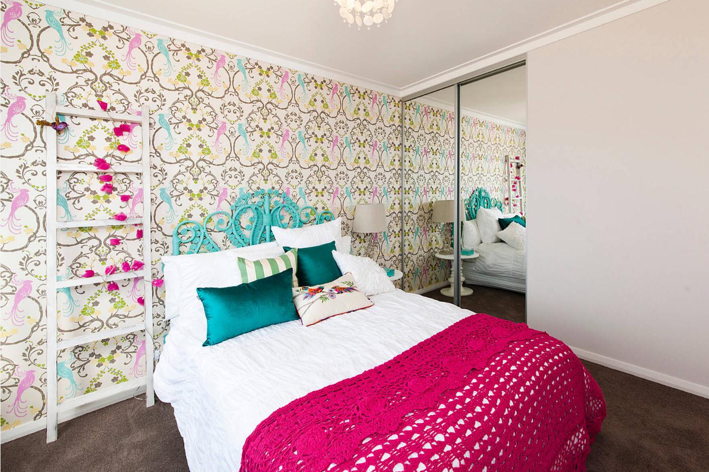 Фото дизайна обоев в спальню: модные оттенки, идеи поклейки
