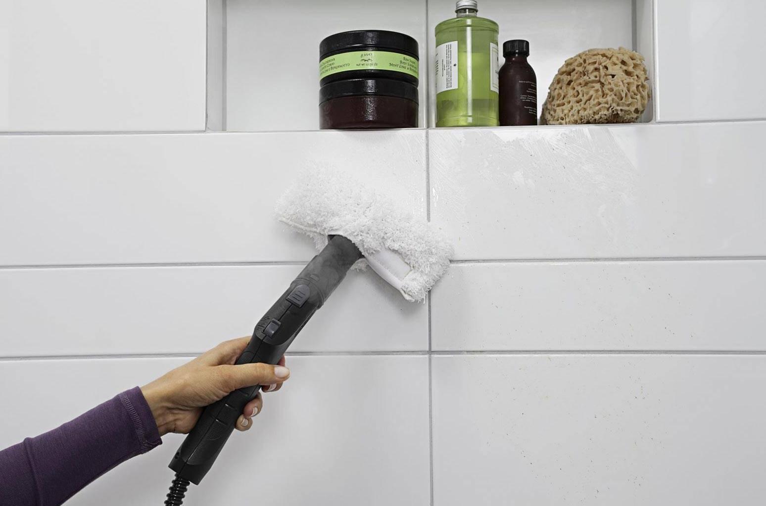 Как удалить черную плесень в ванной комнате