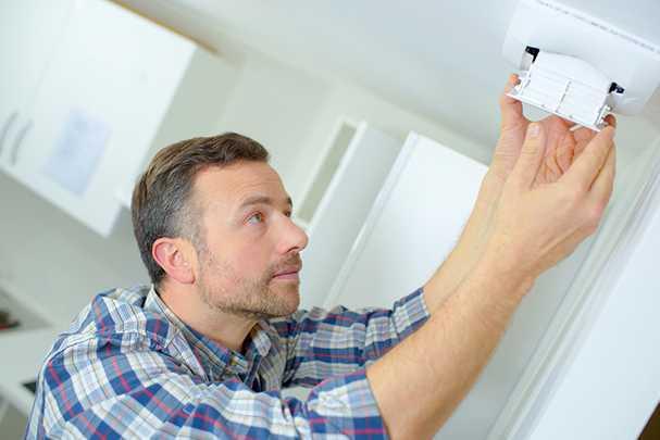 Способы прокладки потолочной вентиляции в многоквартирных и загородных домах