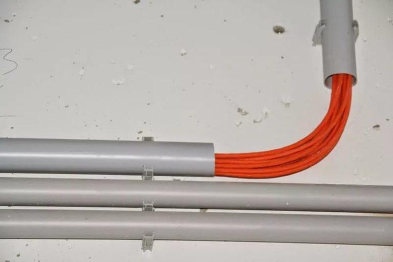 Требования нормативных документов к электропроводкам на фасадах и кровлях зданий