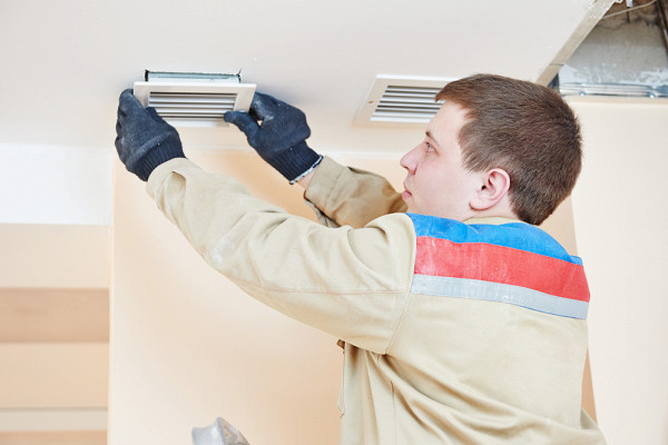 Как прочистить вентиляцию в квартире своими руками: подходящие инструменты и порядок выполнения работ