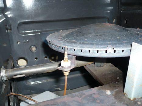 Гаснет духовка в газовой плите: возможные причины и пути их устранения
